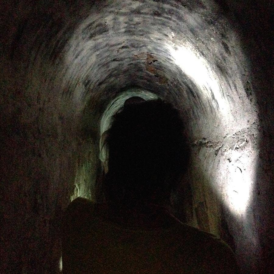 地下道探検。