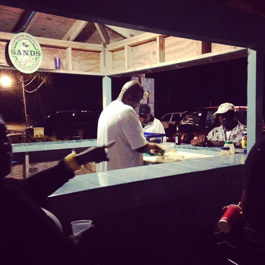 バハマの夜の屋台。