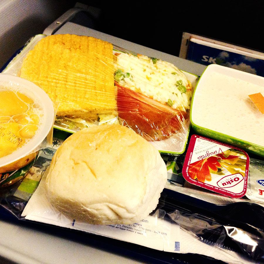 Sky Airlinesの機内食。