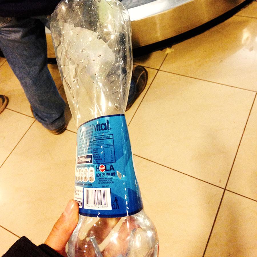 ペシャンコになったペットボトル。