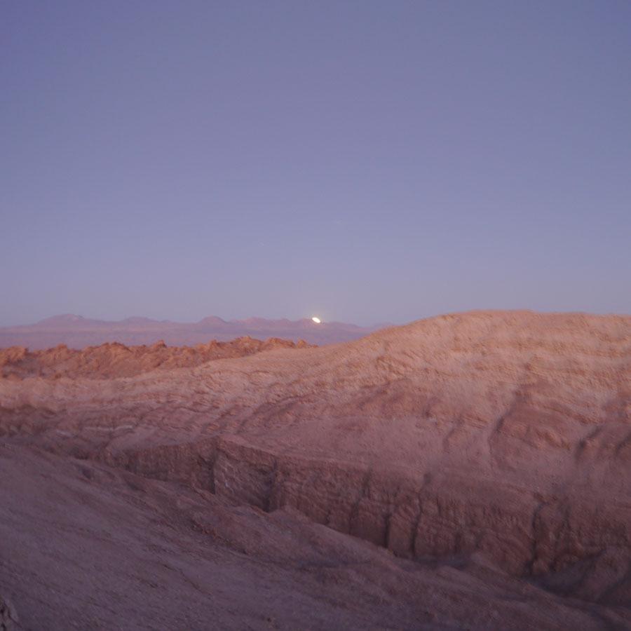 月の出の瞬間。