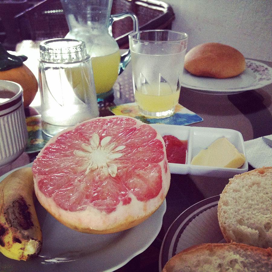 ホテルオリエンタルでの食事。