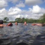 アマゾン3日目、最終日。ピラニアのいるアマゾン川でピンクイルカと泳ぐ。