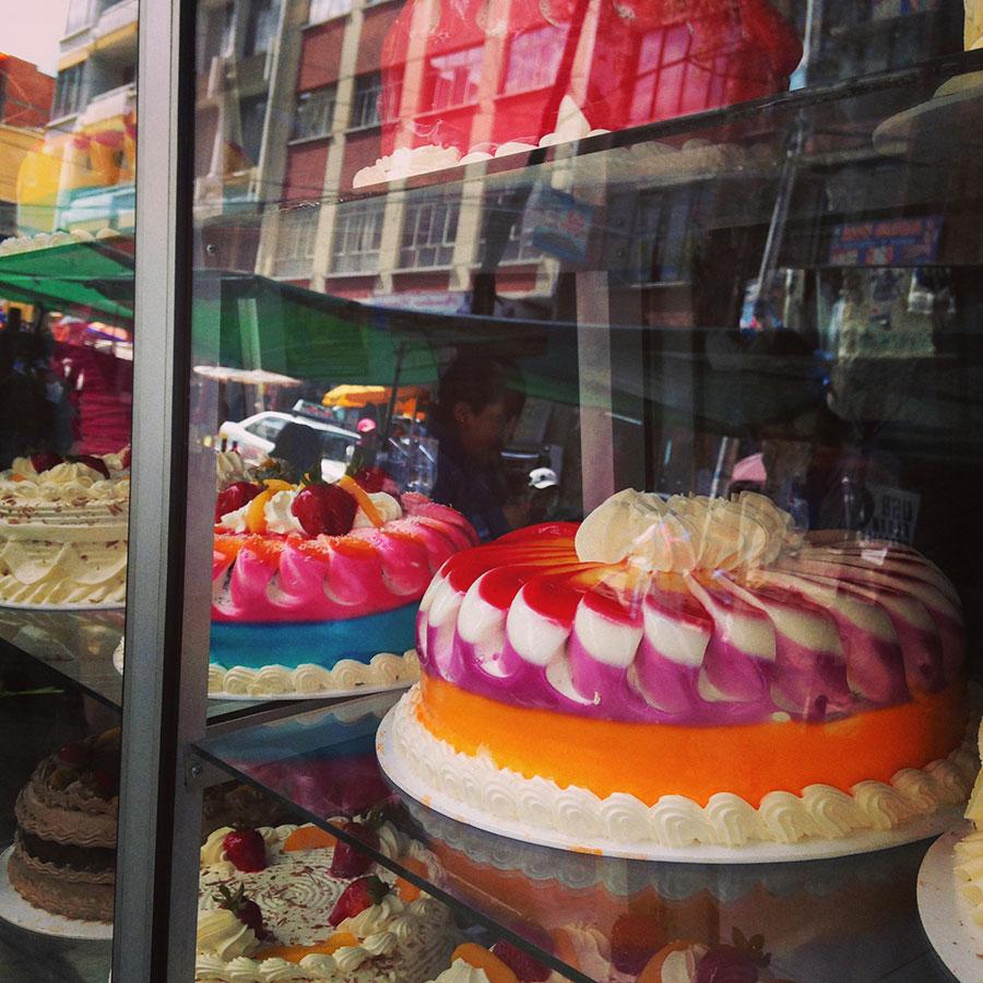 ケーキ屋さんのショーウィンドウ