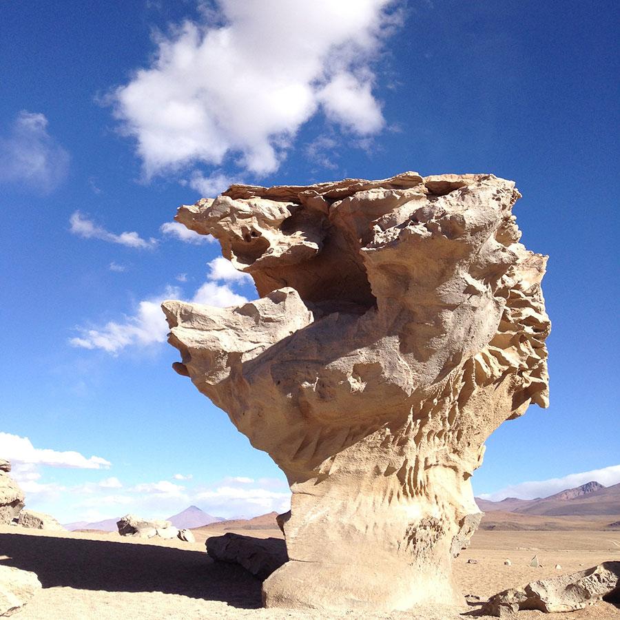 ウユニ湖の別の奇岩。
