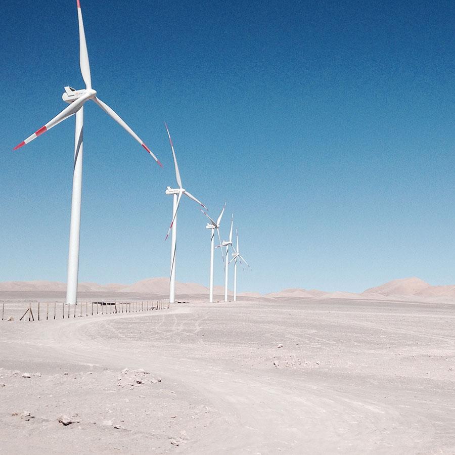 アタカマ付近の風力発電装置