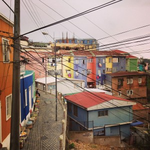 坂×色×グラフィティ。世界遺産の街、バルパライソ。