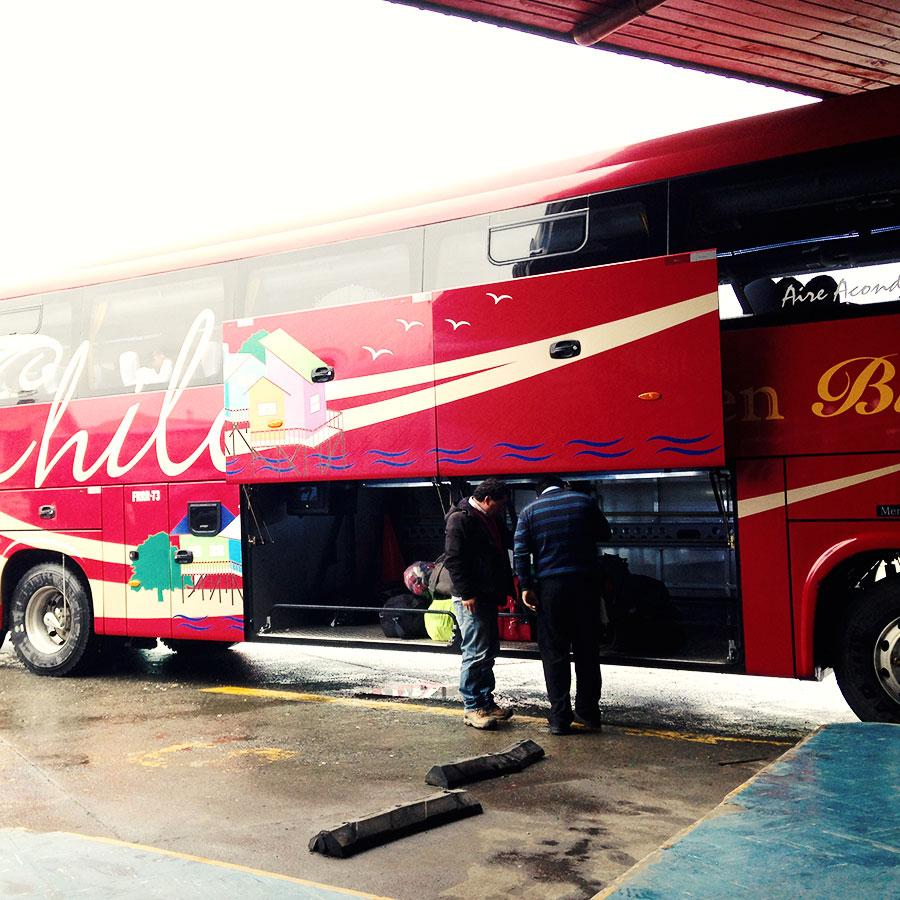 アンクッドからプエルトモントへのバス。