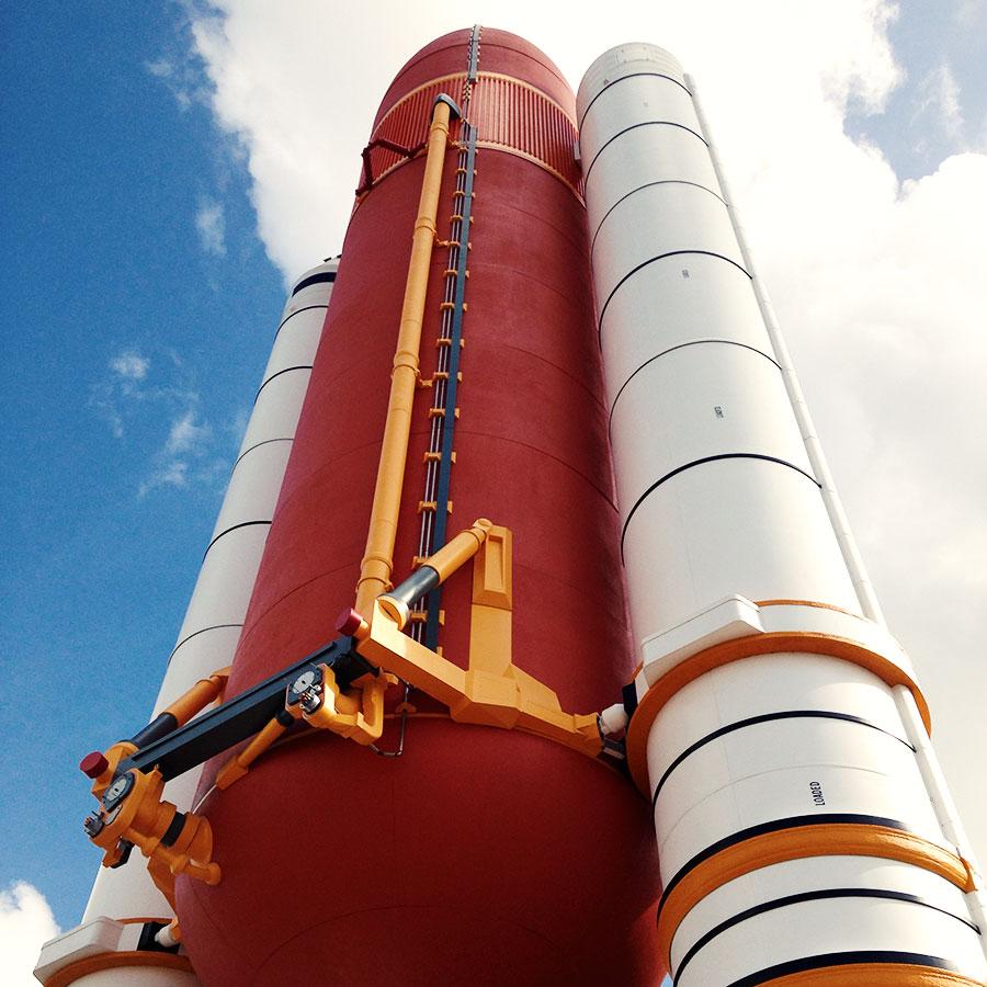 スペースシャトルの外部タンク。