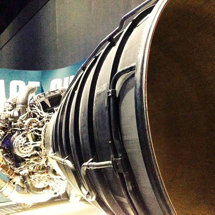 スペースシャトルのエンジン。