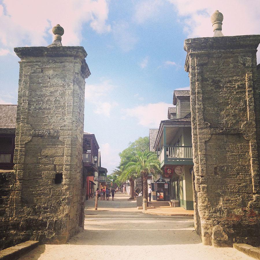 セント・オーガスティンの守り門