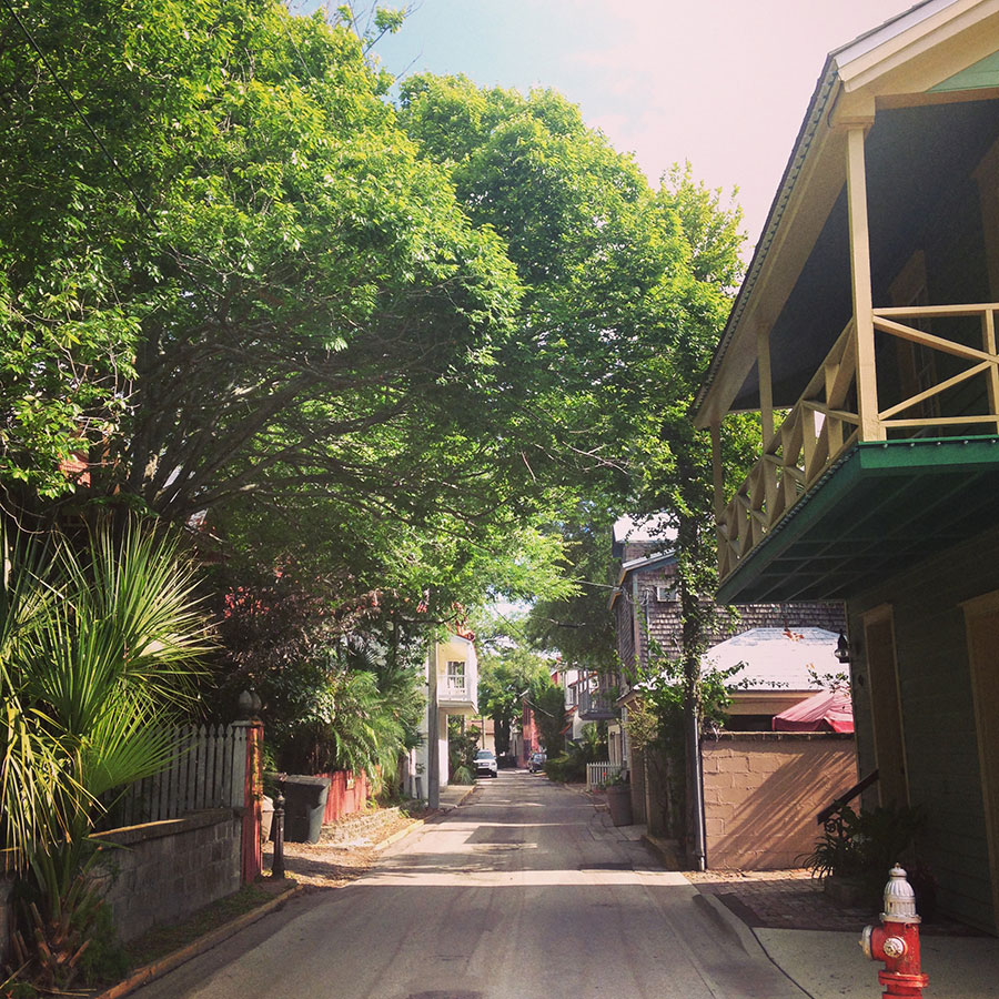 St. George Streetの端