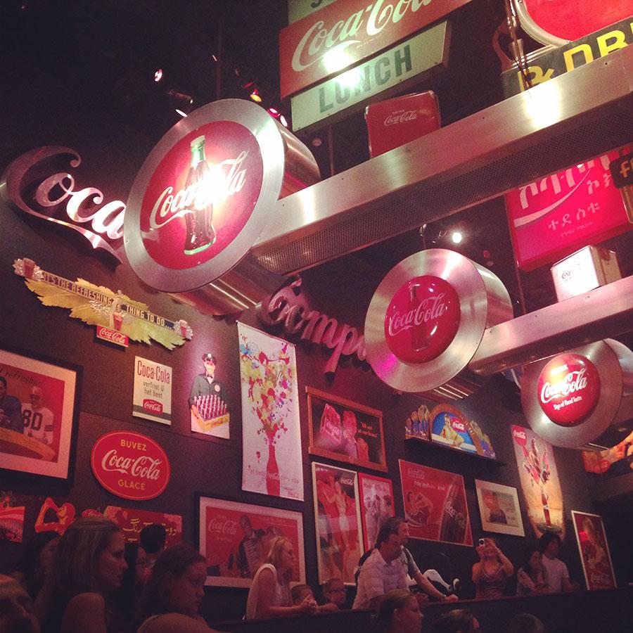 コカコーラの看板。