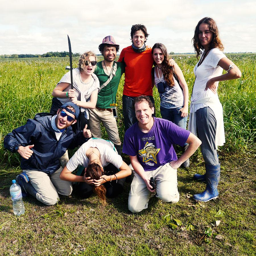 湿地で記念撮影。