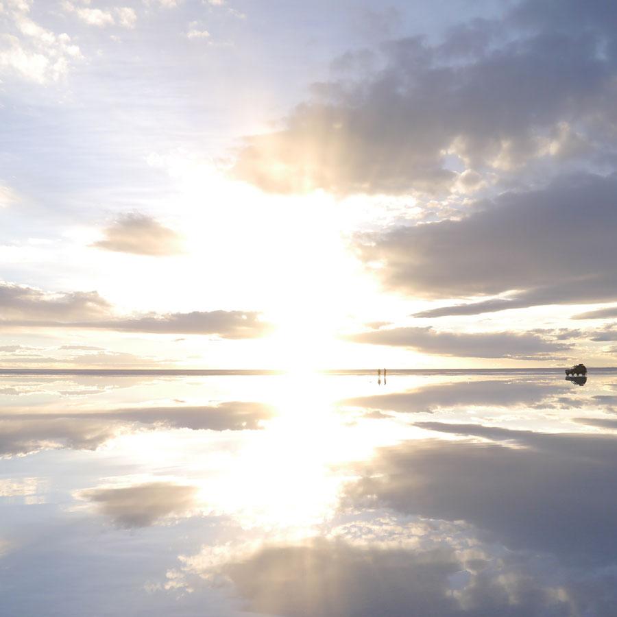ウユニ湖の鏡張り