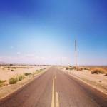 アメリカ横断7日目:テキサスのまっすぐな荒野の道を走り、メキシコとの国境の町エルパソへ。