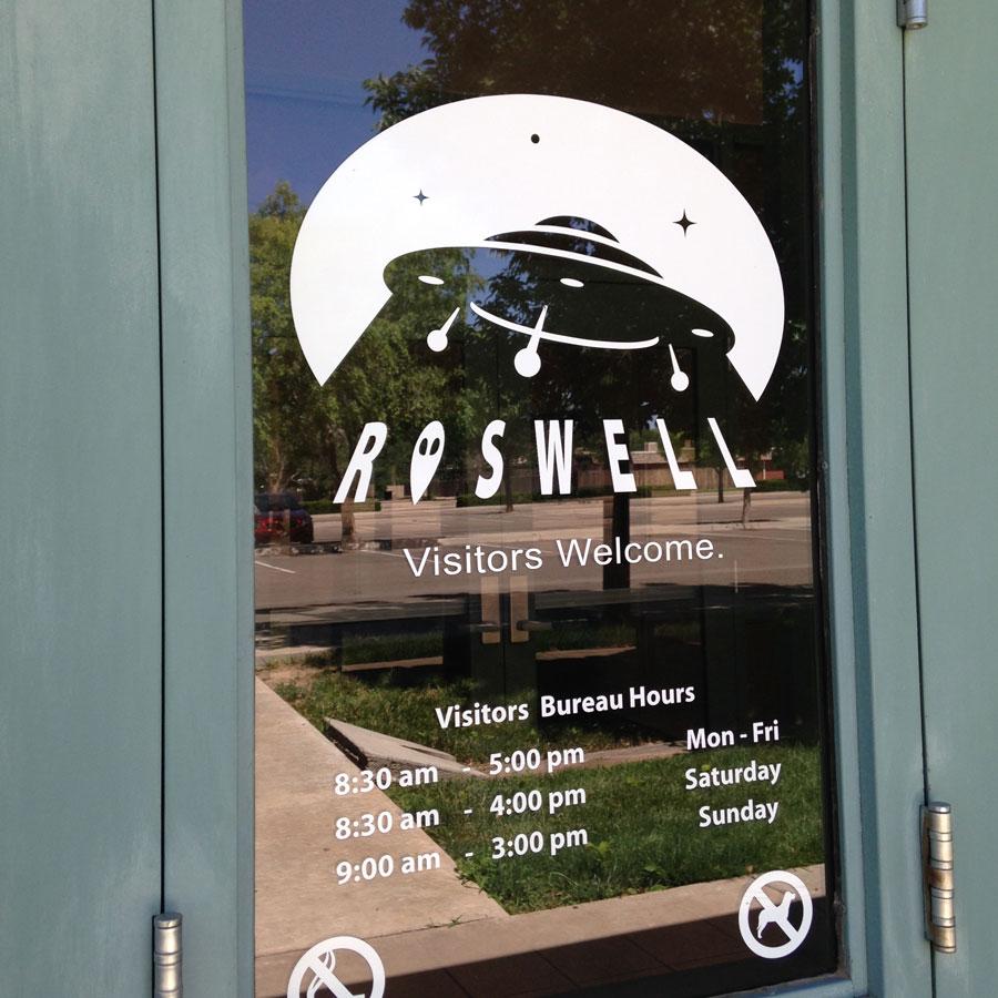 ロズウェルのインフォーメションセンターのドア