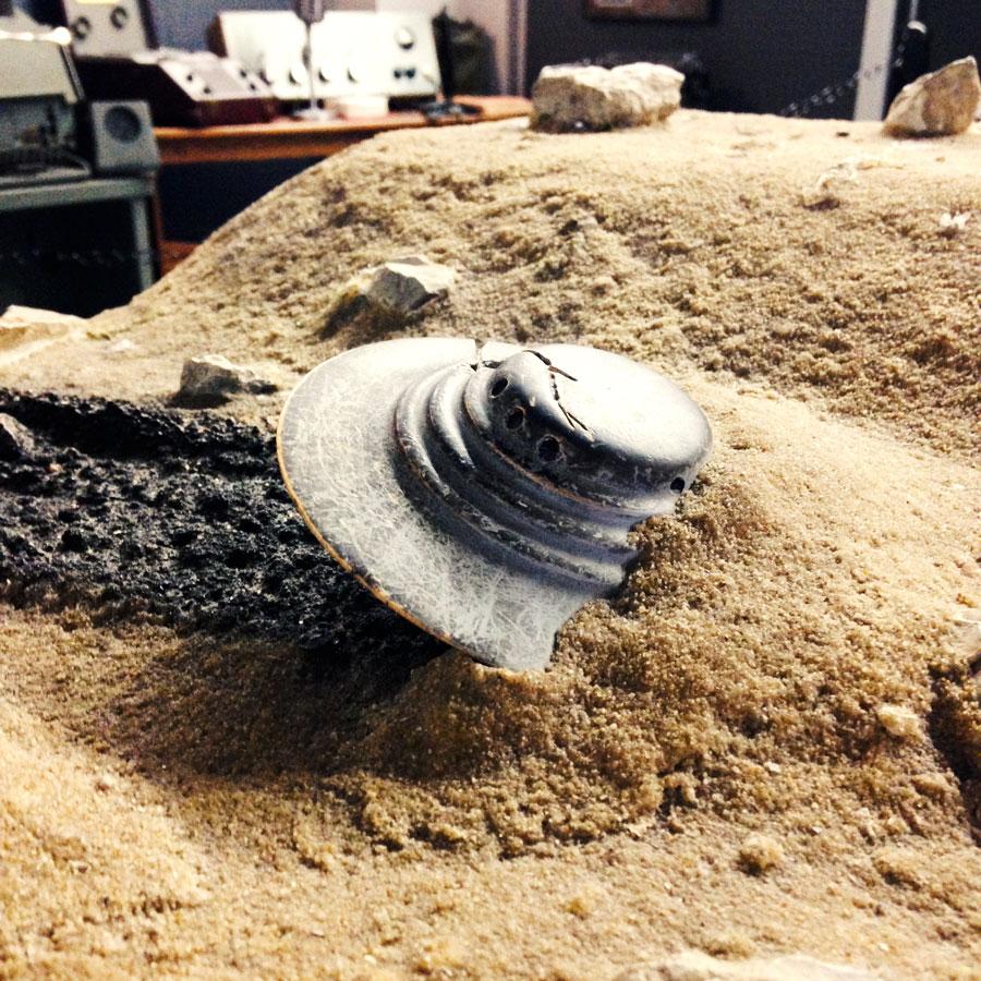 墜落したUFOの模型