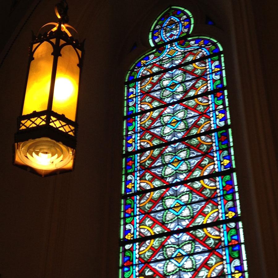ステンドグラスと照明