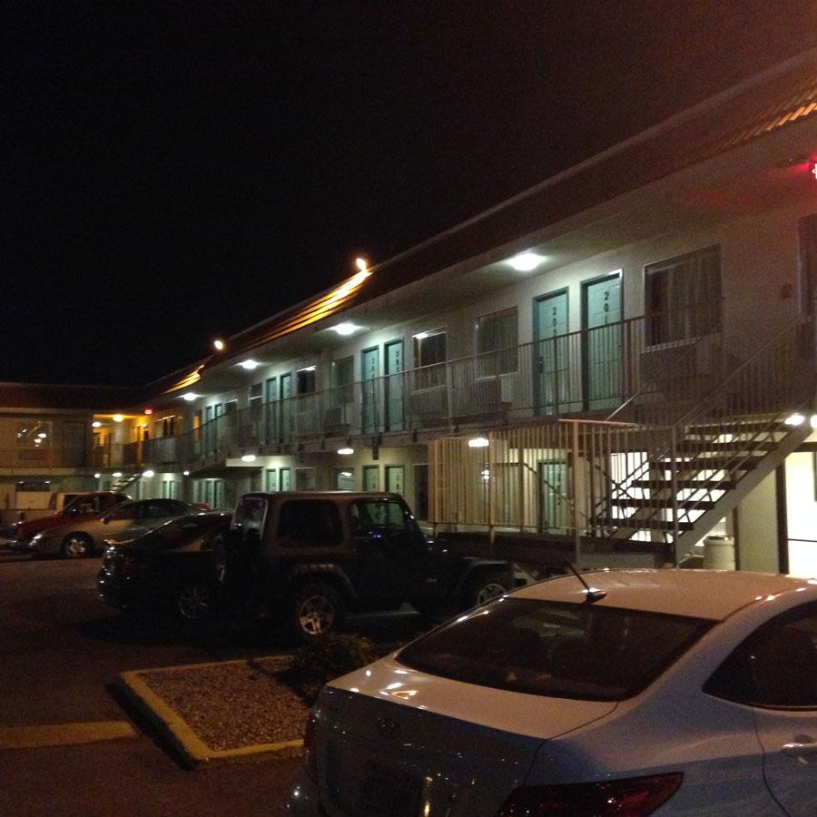 モーテル6の駐車場