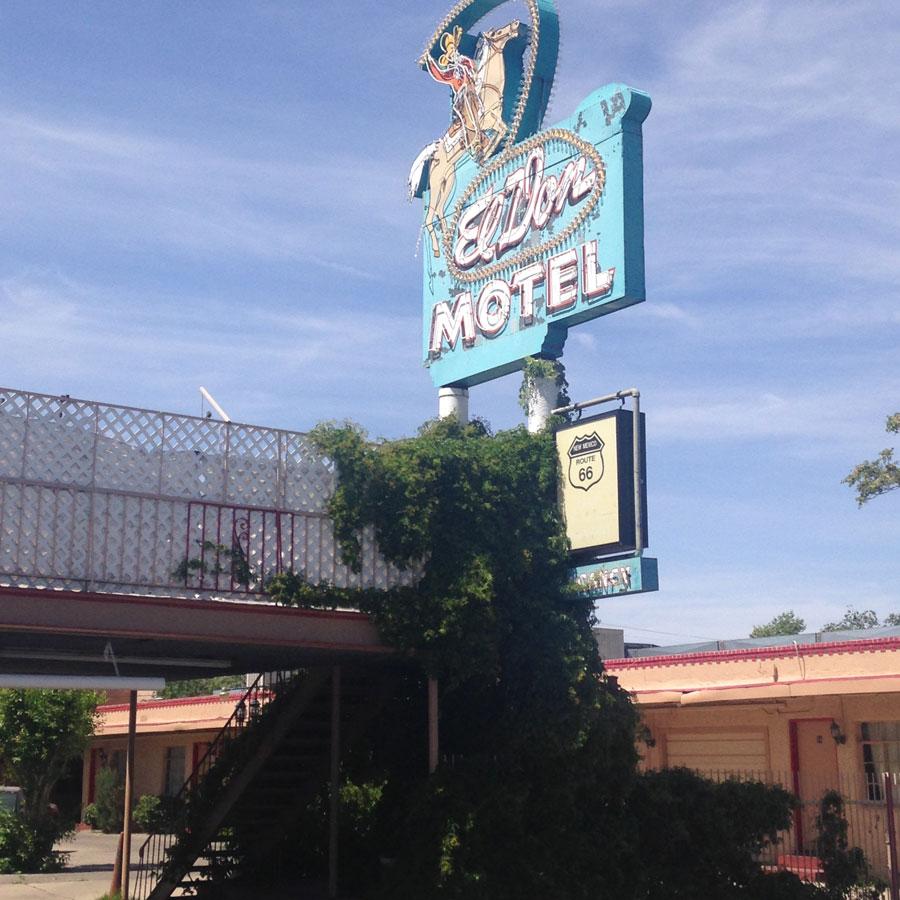 オールドタウンのルート66ゆかりのモーテル