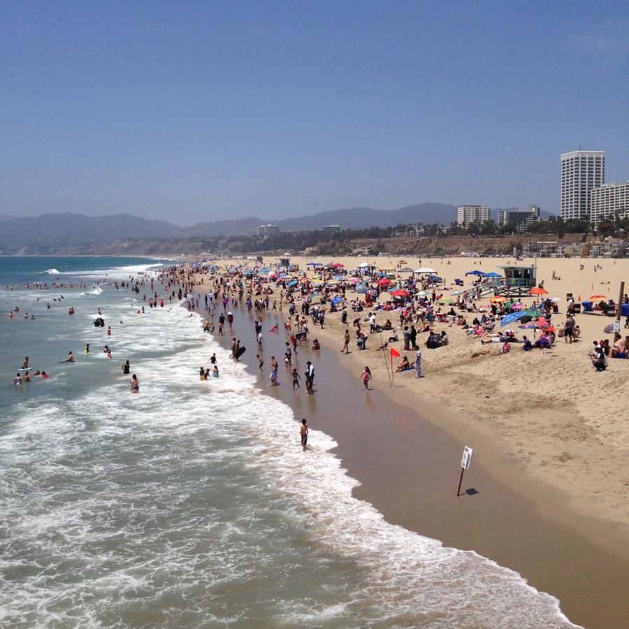 サンタモニカビーチの人々